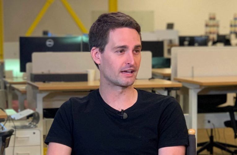 Snap CEO Spiegel says Apple's iPhone privacy change is good for consumers