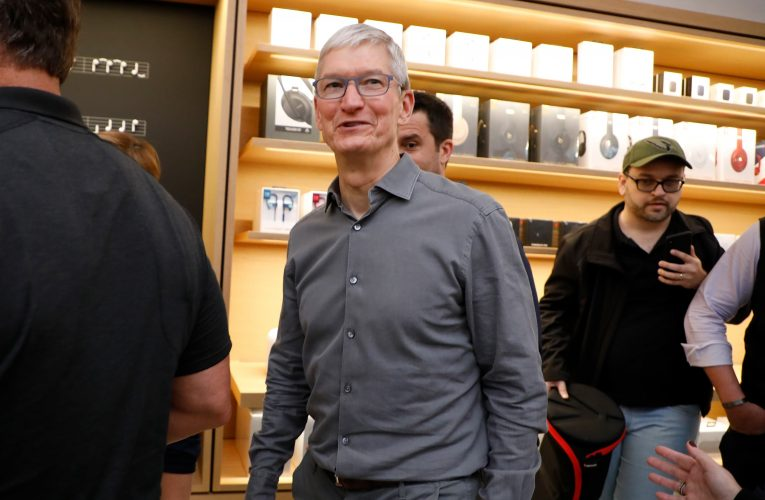 Here's how much Apple has on hand